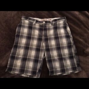 Perry Ellis Plaid Golf Shorts Size 34W